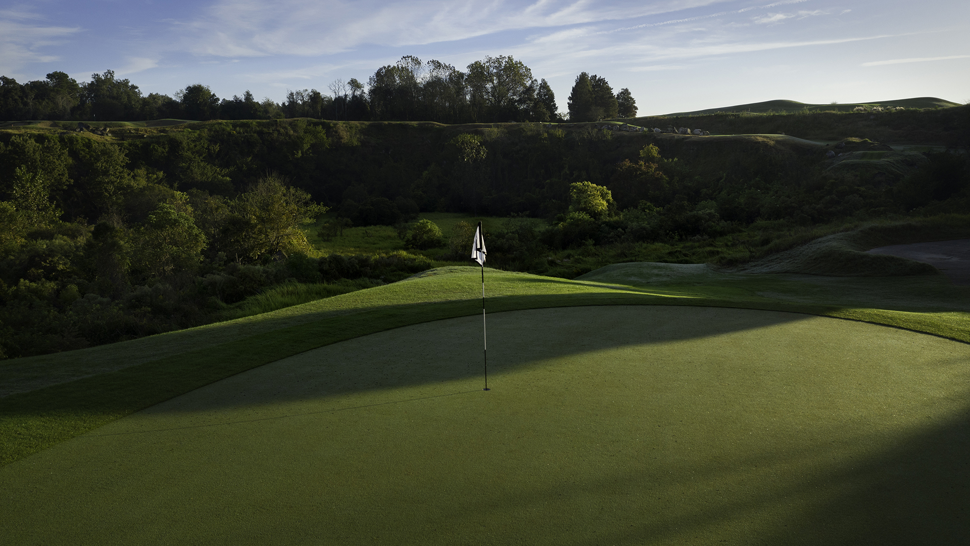 A hole overlooking the beautiful flora of Black Diamond Ranch Country Club